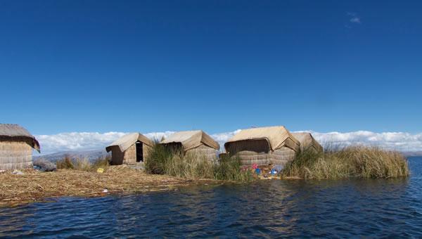 Islas Flotantes de los Uros Titino